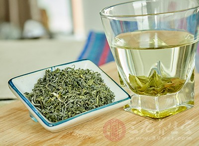 每天饮一至两杯绿茶对于预防肝炎及肝癌有帮助