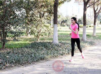 体内湿气重的人大多数都是饮食油腻、缺乏运动的人