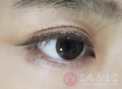 舒适的光线对预防眼疲劳很必要