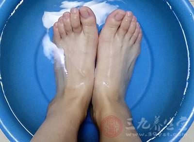 泡脚的好处有哪些 泡脚也有注意事项