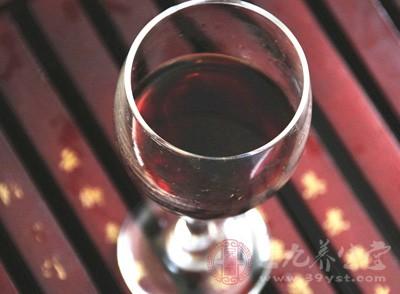 葡萄酒饮葡萄酒有益心脏健康