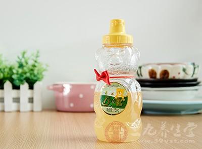 蜂蜜什么时候喝比较好 喝蜂蜜有哪些好处