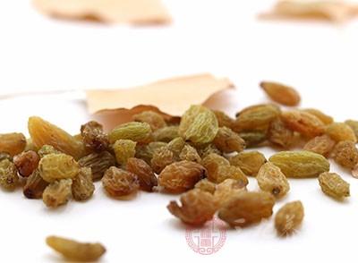 葡萄干的功效与作用 葡萄干的营养价值有哪些