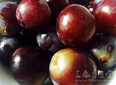 葡萄吃多了会上火吗 吃葡萄需要注意什么