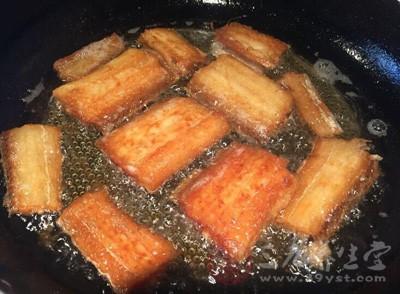 红烧带鱼的做法 女人吃它可以提高智力