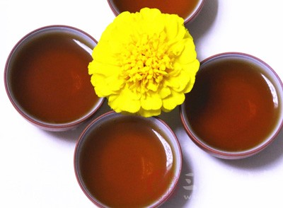 饮浓茶可能影响睡眠