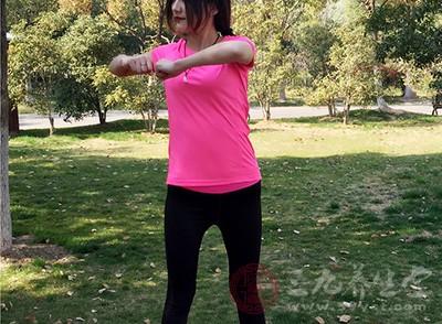 湿气重的人可以通过运动来缓解压力,促进身体新陈代谢,排出湿气