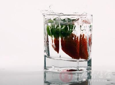 冷冻草莓怎么做罐头 吃草莓有哪些好处