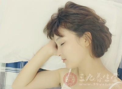 一天中最佳的补钙时间是每天晚上临睡前