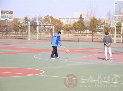 打篮球的好处 打篮球需要学会这些技巧