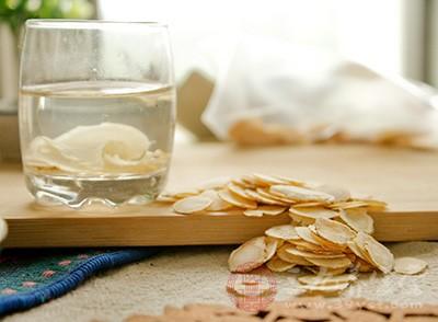 西洋参泡水喝的功效 西洋参有没有什么副作用