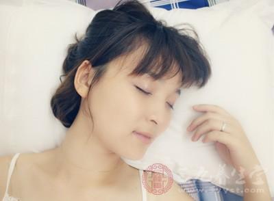 如果睡前还在考虑问题,特别是逻辑性的问题,很容易导致睡眠浅,特别是浮梦多