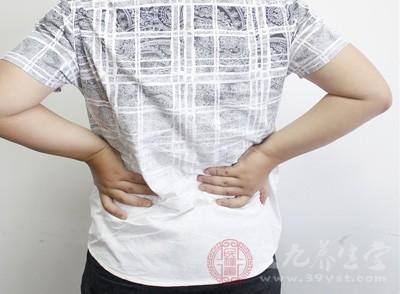 男性腰痛怎么办 男士腰痛不可忽视