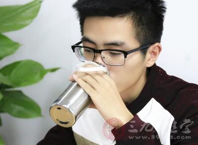 喝水可以补充体液
