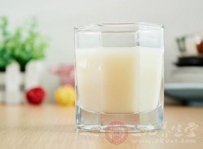 豆浆能和牛奶一起喝吗 推荐豆浆新吃法