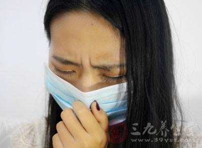 心肌受病毒感染,出现急性、慢性的病症