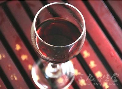 喝红酒的好处 喝红酒的禁忌有哪些