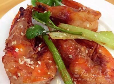 虾肉有补肾、壮阳、通乳、祛毒等作用
