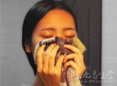 如何清洁鼻头皮肤