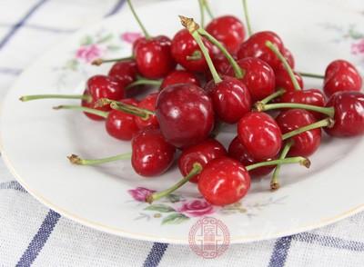 本周香港市场也发现了假冒塔州樱桃