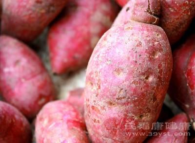 红薯和牛奶可以一起吃吗 不能和六种食物一起吃