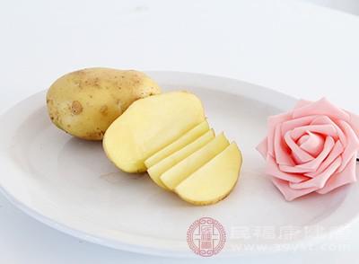 含有利于脑功能的脑磷脂,维生素A含量也高于土豆,矿物质含量也略高于土豆