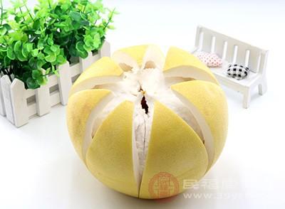 柚子茶和柚子皮也都具食用价值,且可入药