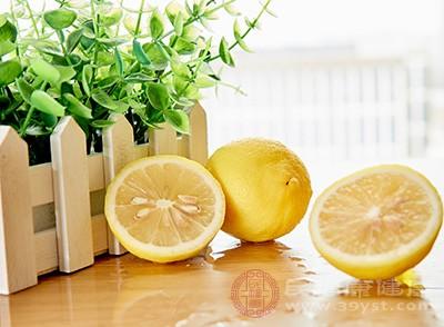 柠檬水怎么泡好喝 柠檬水的功效有哪些