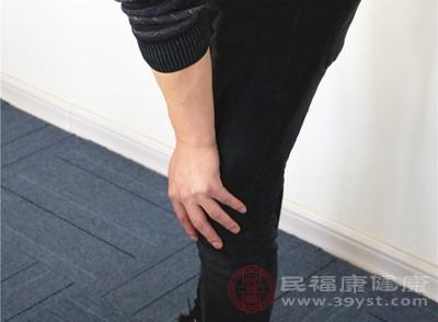 你的膝盖健康吗 一个动作就能测出来