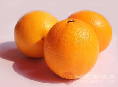 橙子多纤维又低卡路里,含有天↑然糖分,是代替正�餐或糖果、蛋糕、曲奇等甜◎品的佳选择