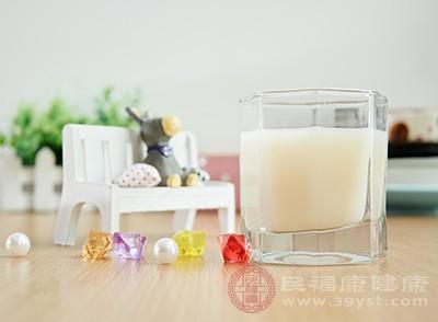 喝豆浆有什么好处 经常喝豆浆可以美白吗