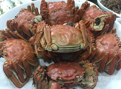 之所以吃螃蟹以后不能吃蜂蜜,考虑是主要这两种食物都是凉性的,胃肠道不好的人很容易腹泻