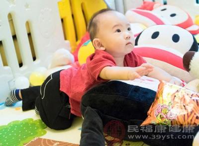 宝宝吃回头奶的危害是什么 宝宝拉肚子这样做