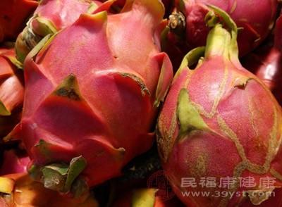 火龙果和酸奶能一起吃吗 食用火龙果的禁忌
