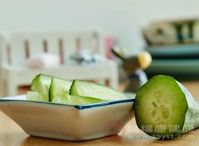 黄瓜中所含的葡萄糖甙、果糖等不参与通常的糖代谢
