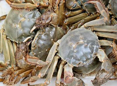 螃蟹和西红柿能一起吃吗 螃蟹有这些功效