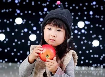 婴儿吃苹果泥要蒸熟吗 宝宝辅食这样做