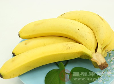 男人胃酸多吃什么 多吃香蕉居然能治这个病