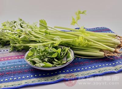 吃芹菜有什么好处 吃芹菜营养又健康