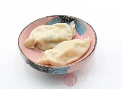 当事人肖某在宜欣城负一楼开设有饺子店