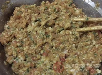 韭菜大肉饺子怎样调馅 饺子可以这样包
