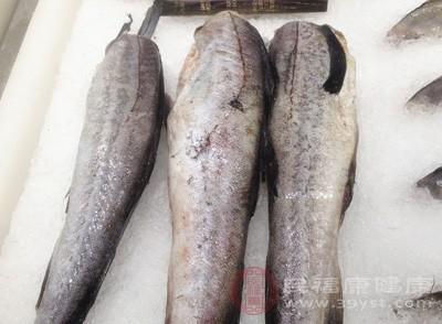 超市和量贩店业者贩售的冷冻鱼虾新鲜度
