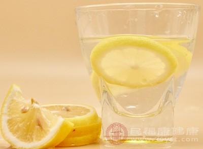 每天一杯柠檬水