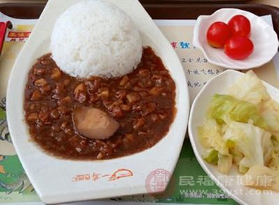 漳州网上线下齐发力确保食品安全
