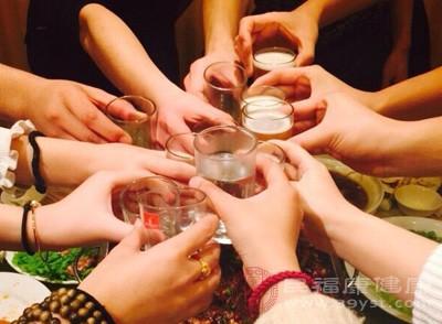 春节养生小知识之肝胆疾病切忌饮酒