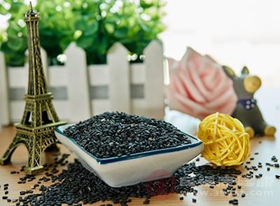 黑芝麻的钙含量是鸡蛋和牛奶的6倍,特别适合春季补钙