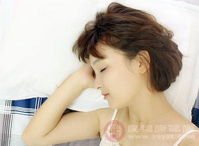 床头的摆放禁忌 床头的位置很重要