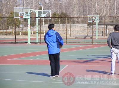 打篮球的好处 打篮球千万注意这些事项