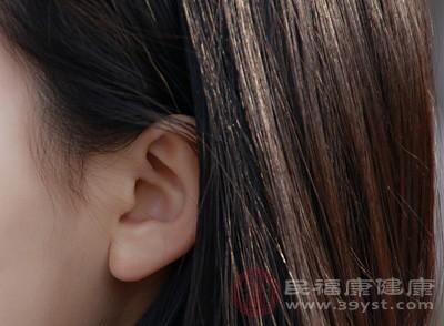 一旦患有耳鸣,尤其是长期严重耳鸣,常常会使人烦躁不安,从而使人产生悲观、烦闷的心情