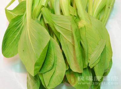 蔬菜中也有许多高钙的品种。雪里蕻100克含钙230毫克;小白菜、油菜、茴香、芫荽、芹菜等每100克钙含量也在150毫克左右